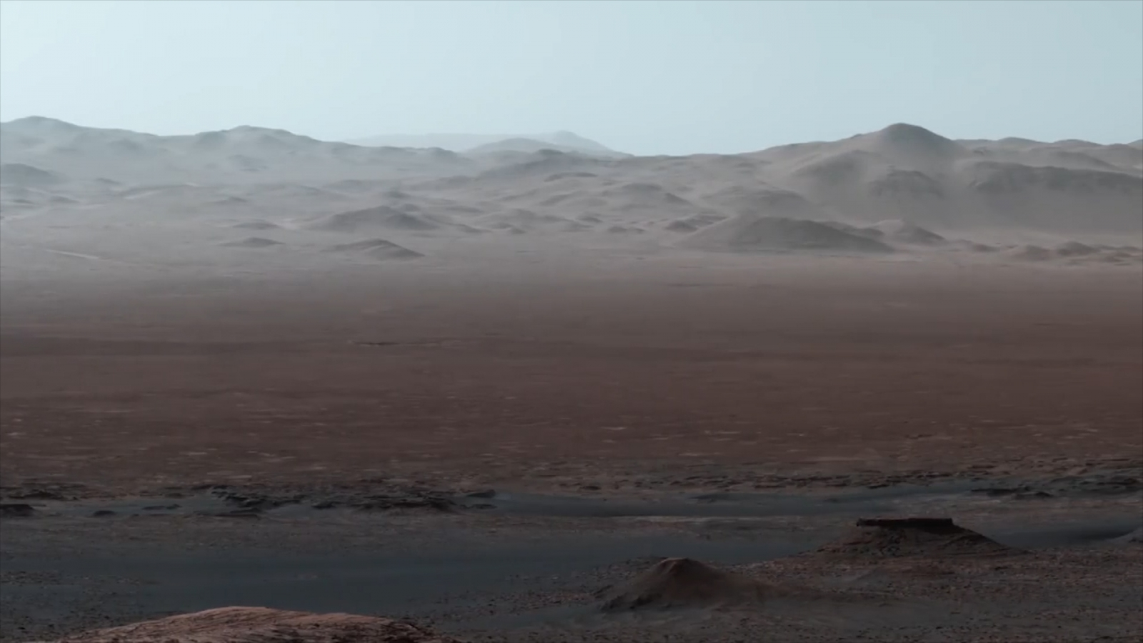 mars-rovers-view-of-the-gale-crater