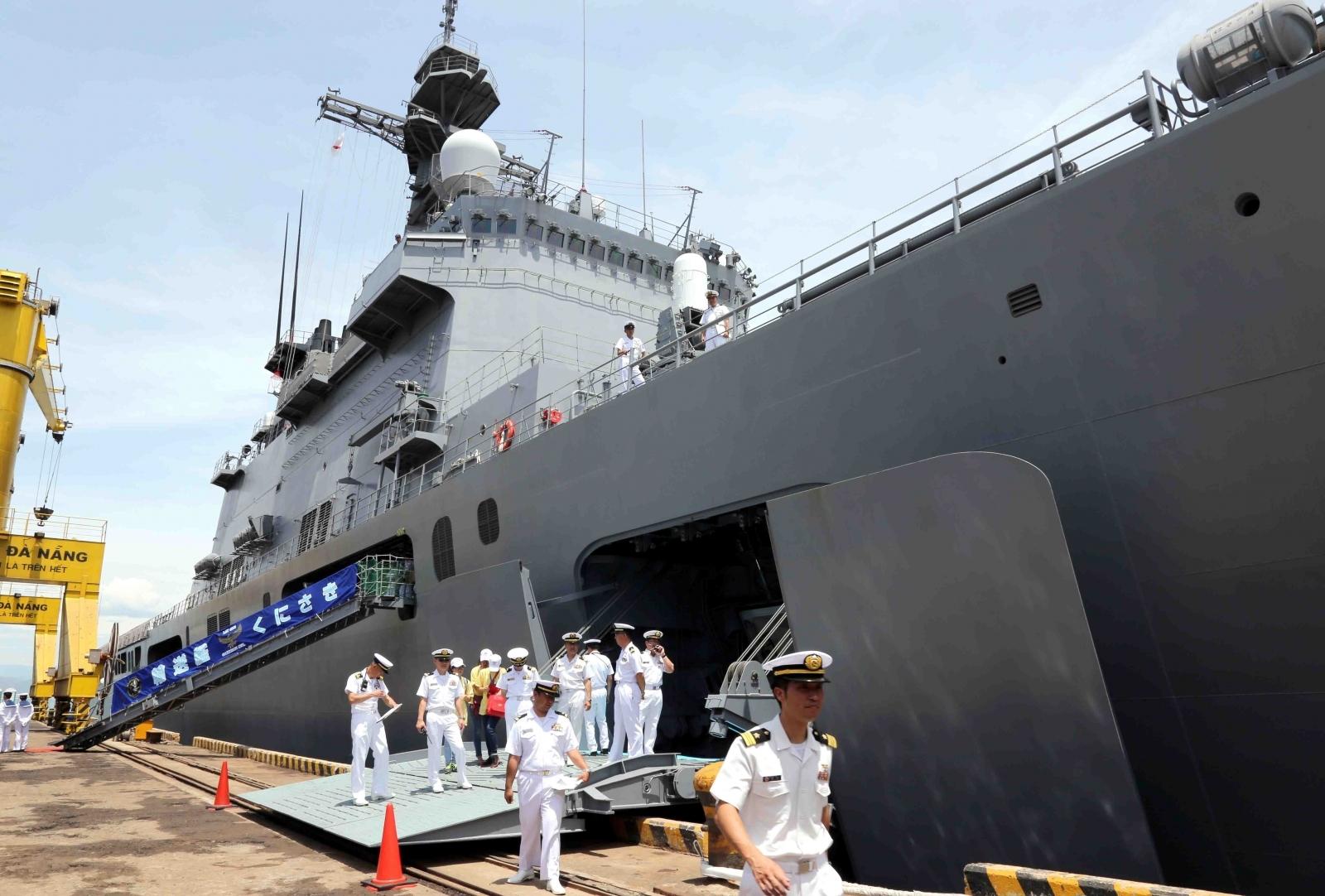 Chinese landing ship