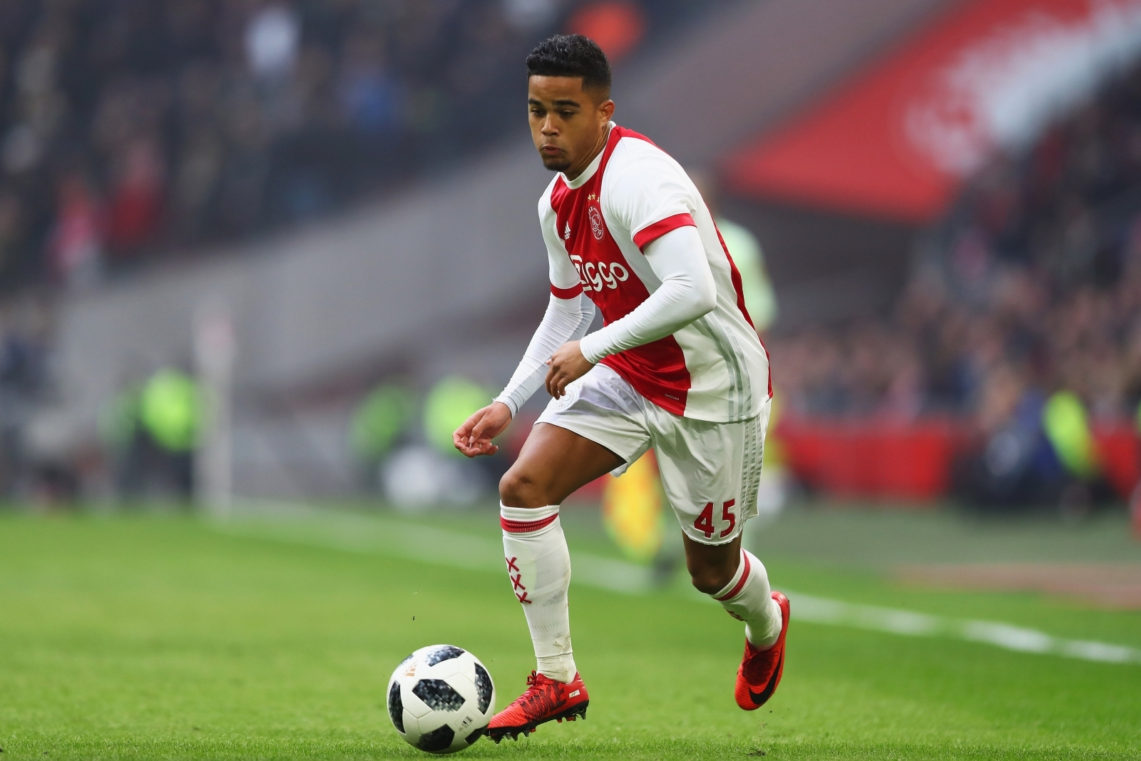 Manchester United In Advanced Talks To Sign 18-Year-Old Justin Kluivert