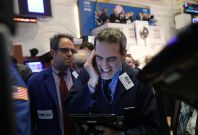 Dow declines rapidly