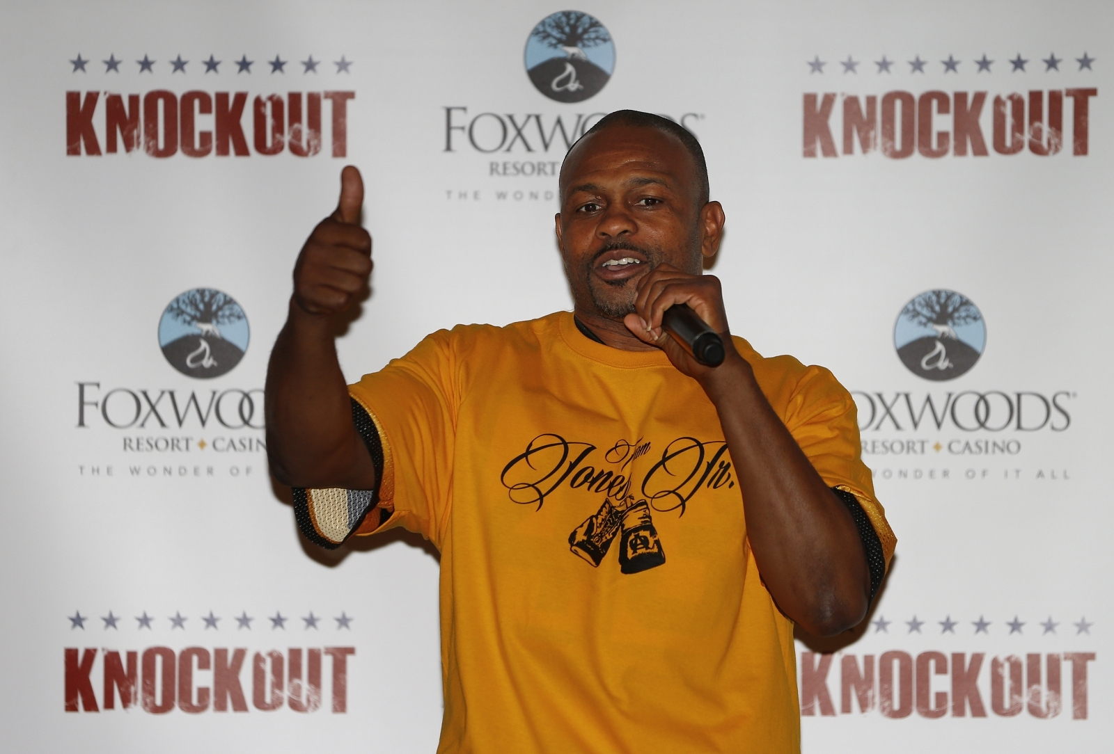 Roy Jones Jr retires but leaves door ajar for Anderson Silva bout