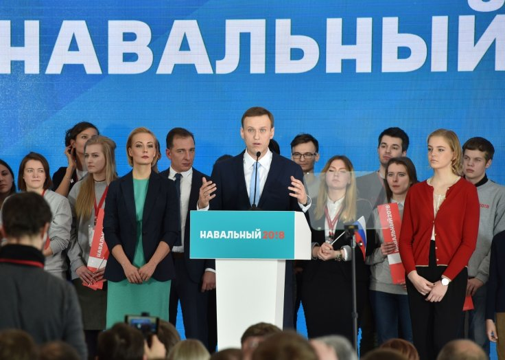 Alexei Navalny Russian opposition leader campaigns
