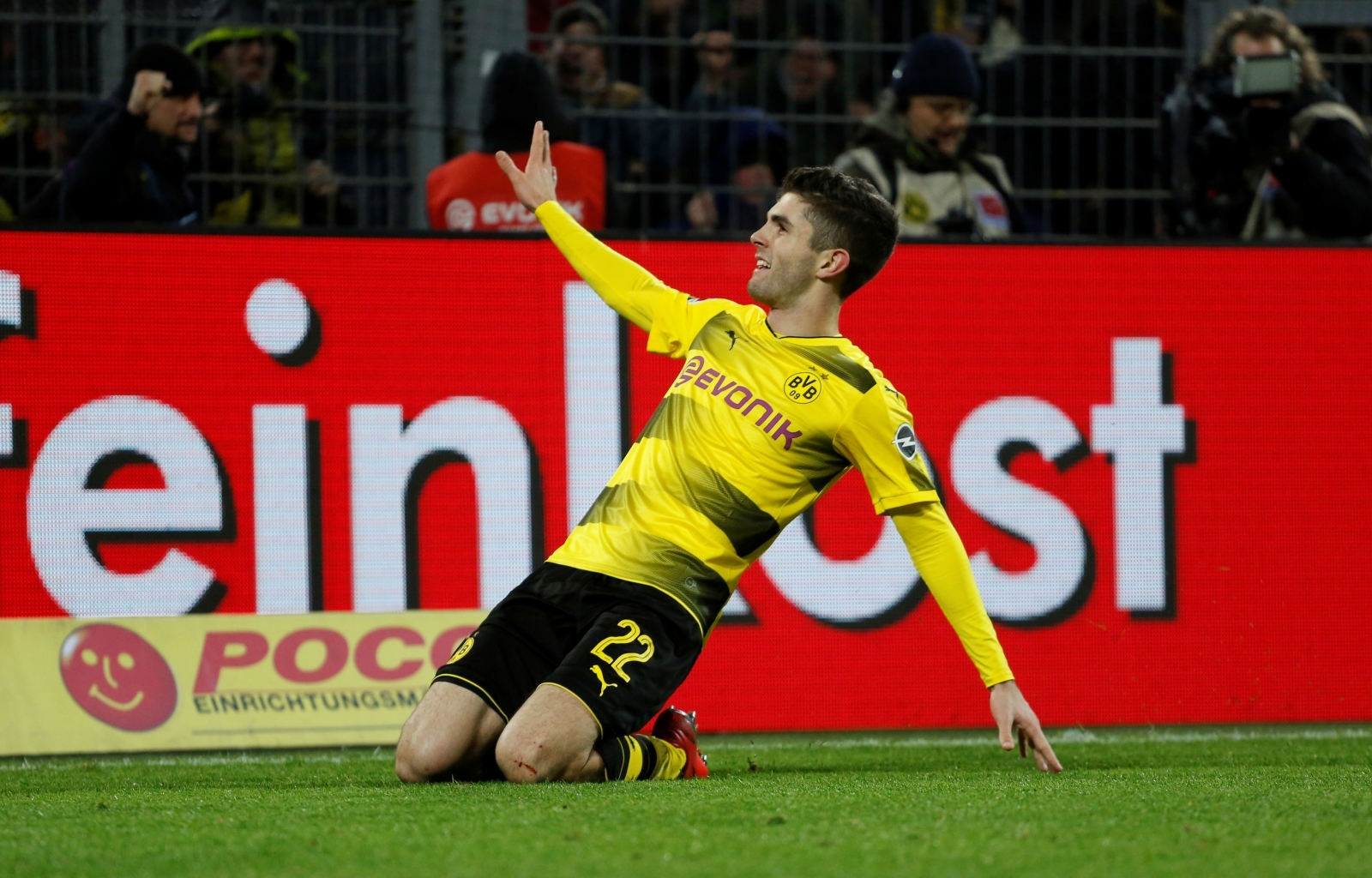 Bayern Munich wants USMNT Christian Pulisic from Borussia Dortmund