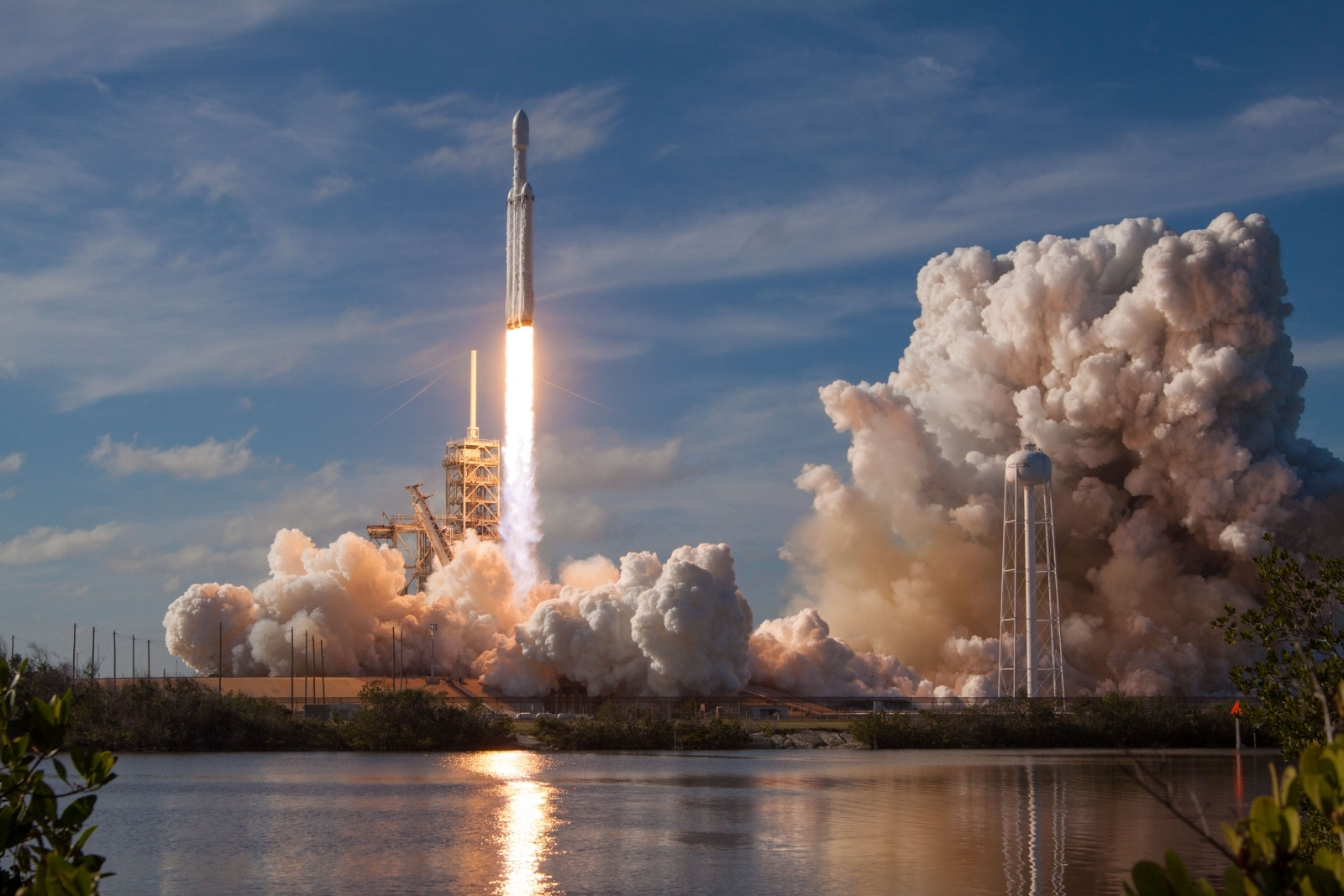 SpaceX Falcon Heavy's first customer will be the US Air ...