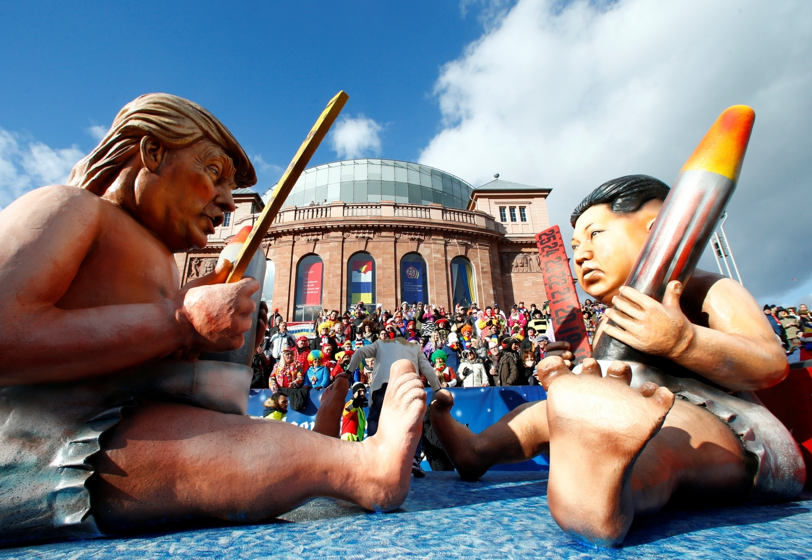 Bildergebnis für Trump and the Russian bear German Carnival Parade