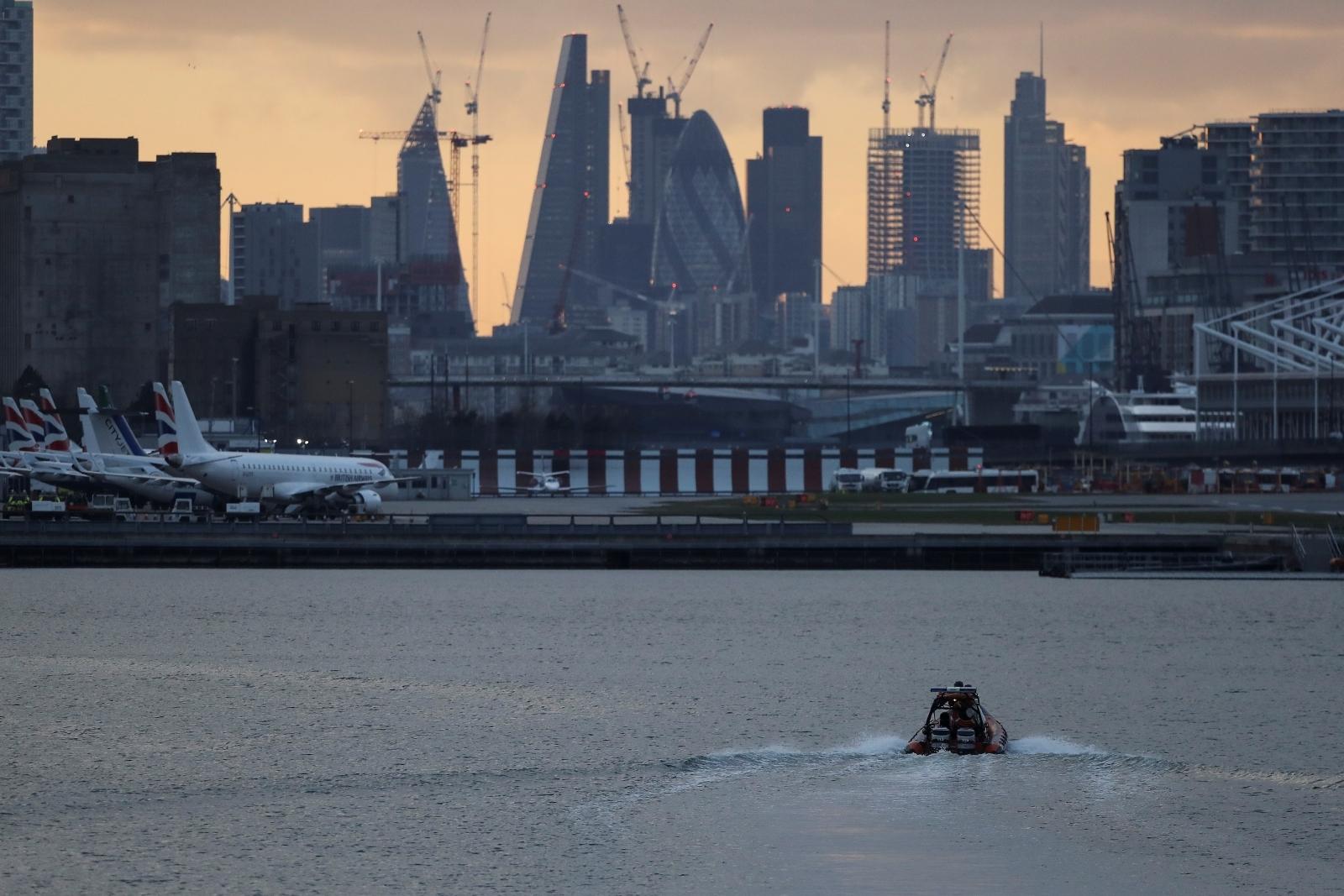 Bomb disposal London City Airport
