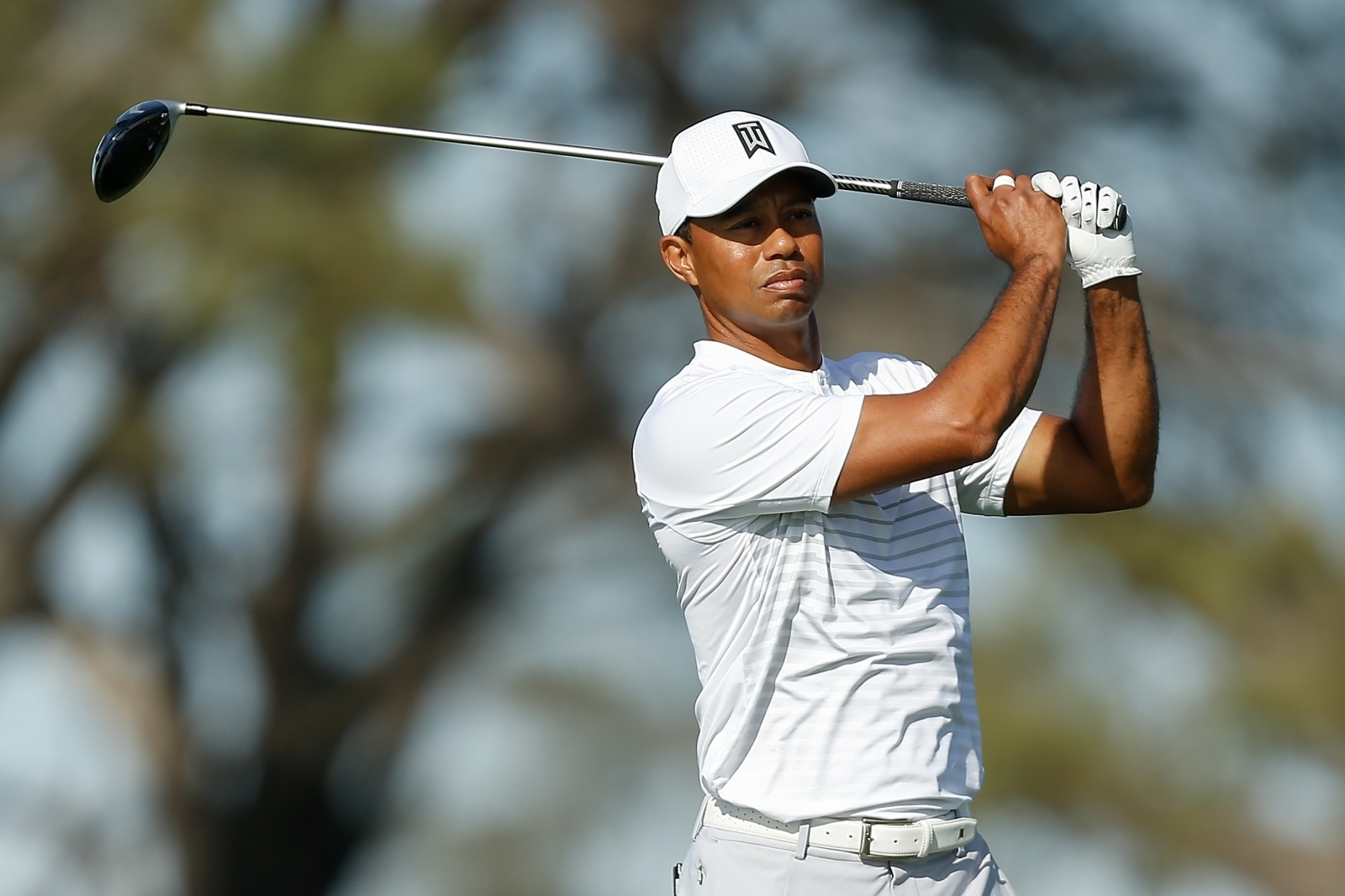 Tiger Woods aims to reverse Riviera fortunes