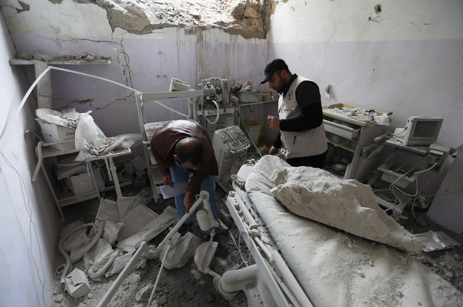 Idlib hospitals markets bombed air strikes