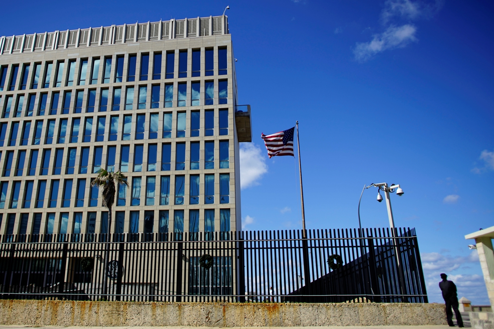 Health problems of United States diplomats in Cuba still a mystery