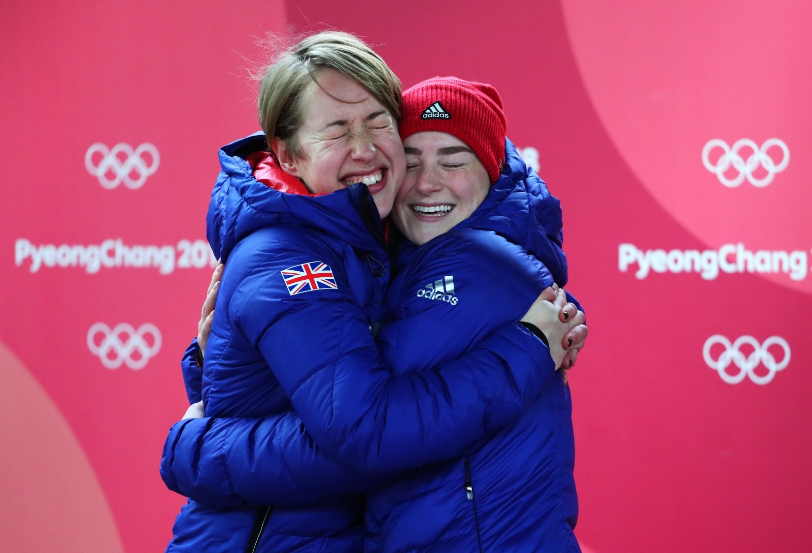 Lizzy Yarnold claims gold medal and retains Skeleton title at Winter Olympics