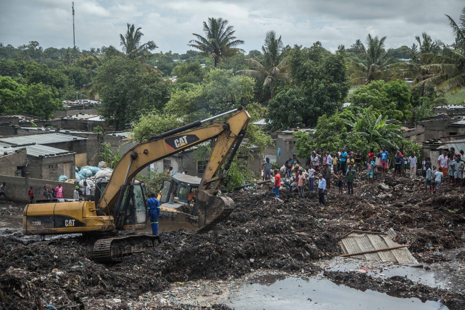 Mozambique garbage dump collapse