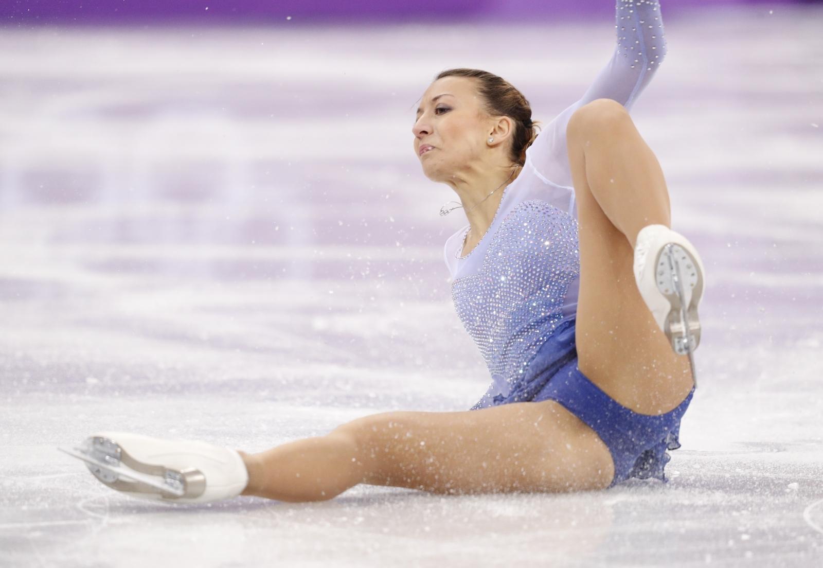 Nicole Schott of Germany falls