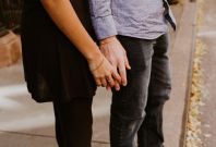 Scientists say that holding hands can help numb pain, especially between lovers