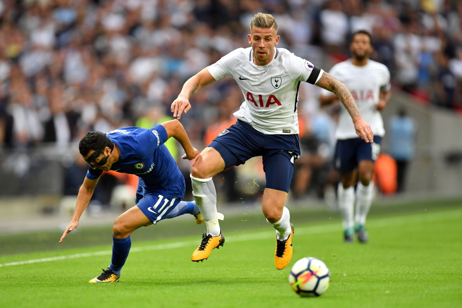 Chelsea rivalled by Barcelona for Toby Alderweireld