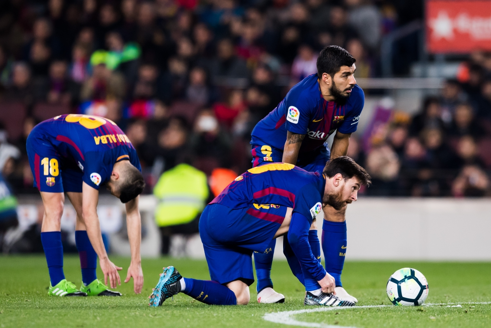 Barcelona's title hopes dented at Las Palmas