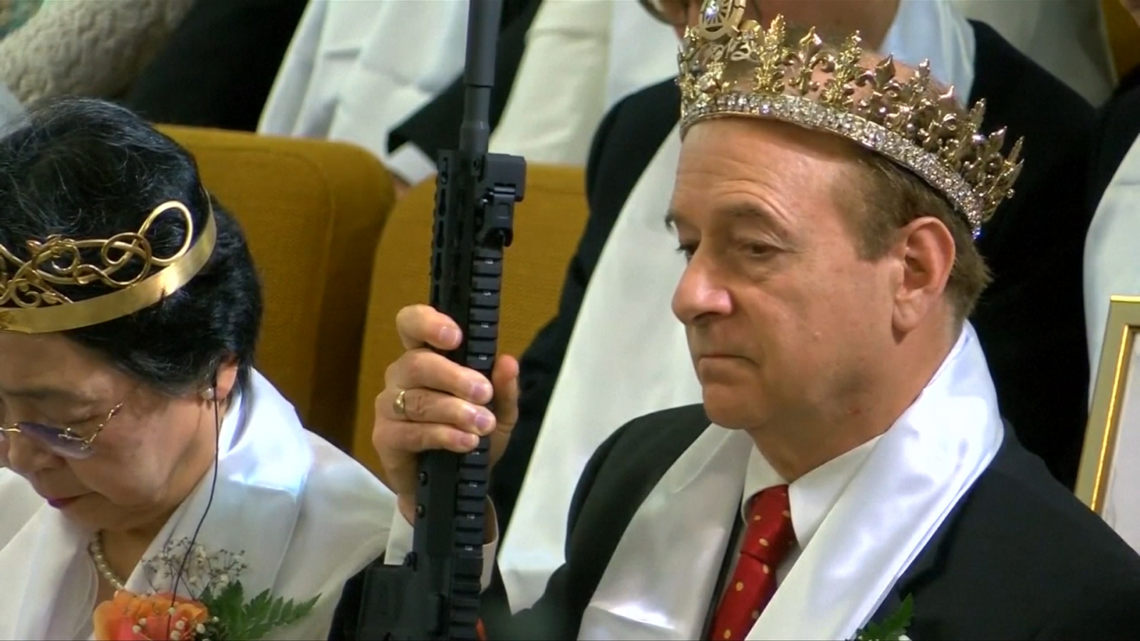 couples-take-their-ar-15-rifles-to-pennsylvania-church-for-blessing
