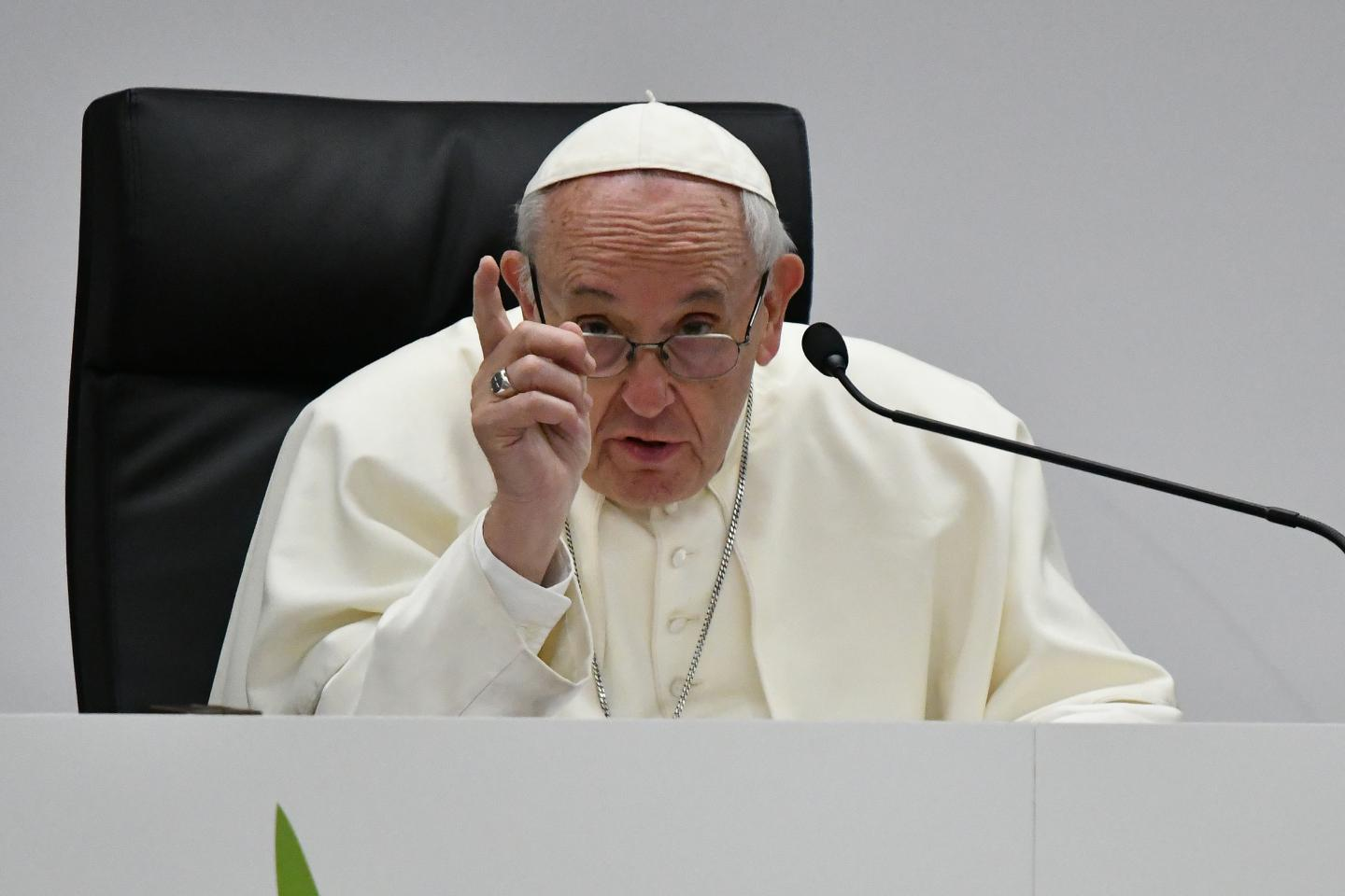 paying-for-sex-is-to-torture-a-woman-says-pope-francis