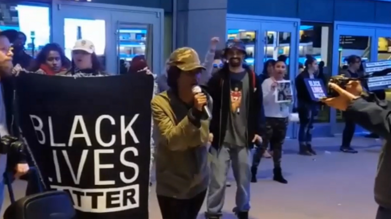 protesters-prevent-ticket-holders-from-watching-nba-game