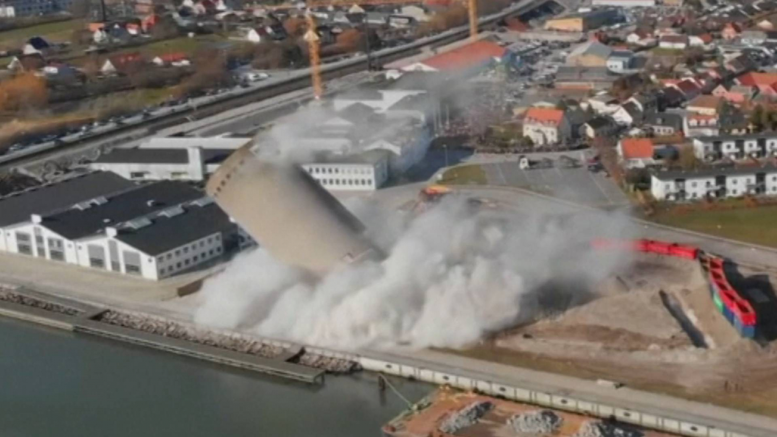 danish-silo-demolition-goes-wrong-crushing-library-and-music-school