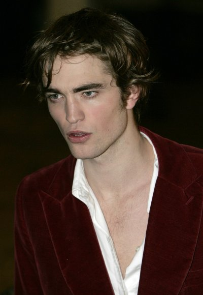 Britains Robert Pattinson arrives at the world premiere of quotHarry Potter and the Goblet of Firequot at Leicester Square, London, November 6, 2005.