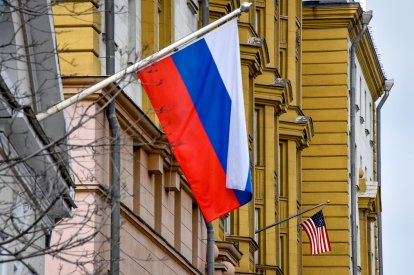 US_Russian_Flags