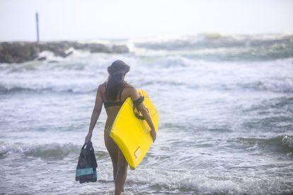 Surfing Beach Bodyboarding