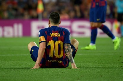 Lionel Messi injured against Villarreal