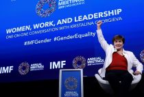 IMF chief supports gender equality in pay