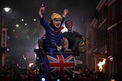 Johnson launches election campaign