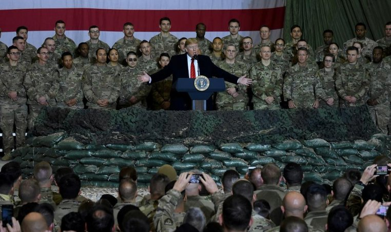 Donald Trump with US troops