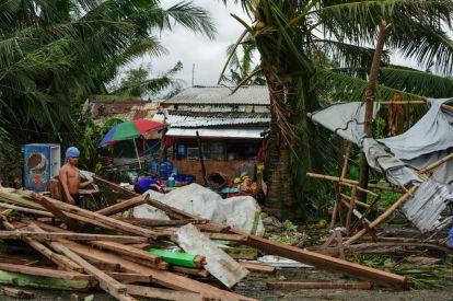 Typhoon Phanfone batters Philippines