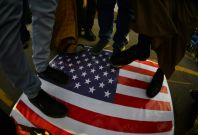 Trump threatens Iran