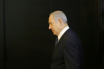 Netanyahu asks for immunity