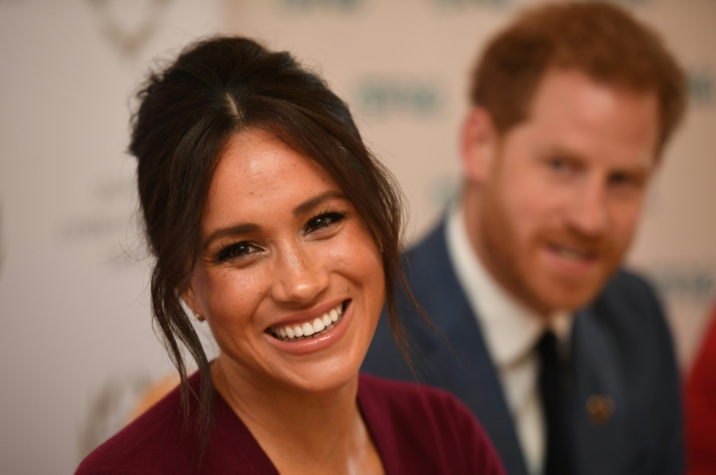 Prince Harry, Meghan Markle confirm they will not use Sussex Royal name