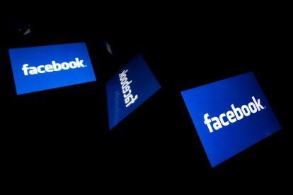 Facebook removes Trump ad