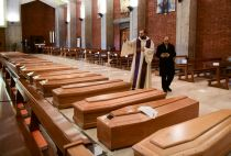 Death toll in Italy is over 10,000