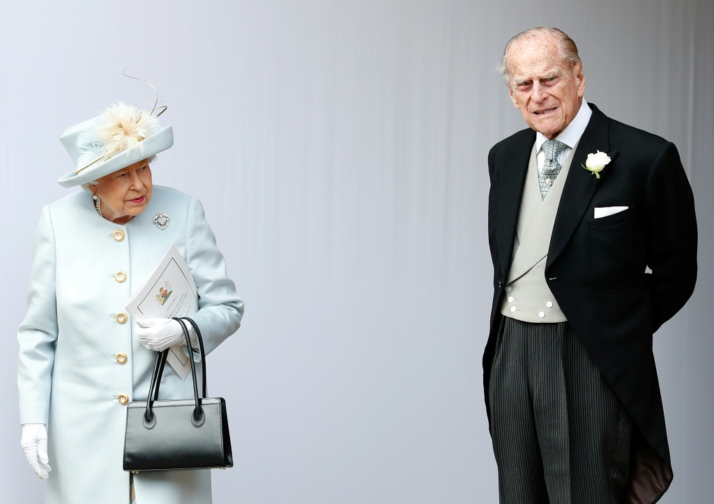 Queen Elizabeth II 'leaning on loved ones' as Prince Philip spends 10th day in hospital