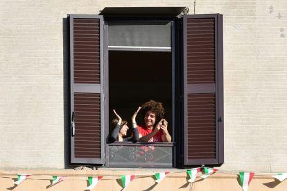 Italy eases coronavirus lockdown