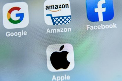 Apple, Google launch contact tracing platform