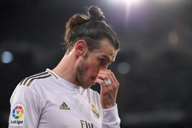 Premier League: Gareth Bale flies to England to complete loan move