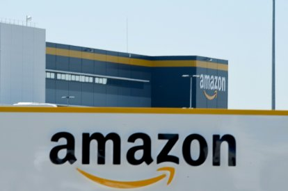 Amazon gets approval to fly delivery drones