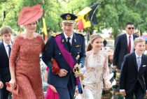 Princess Elisabeth with her parents and brothers