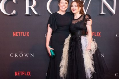 """""""The Crown"""" cast Olivia Coleman and Helena"""
