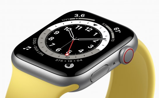 Apple Watch SE now available on Amazon
