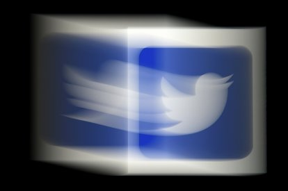 Twitter service restored after global outage