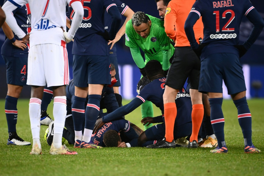 Neymar injury update: Brazilian may be able to face Barcelona in Champions League