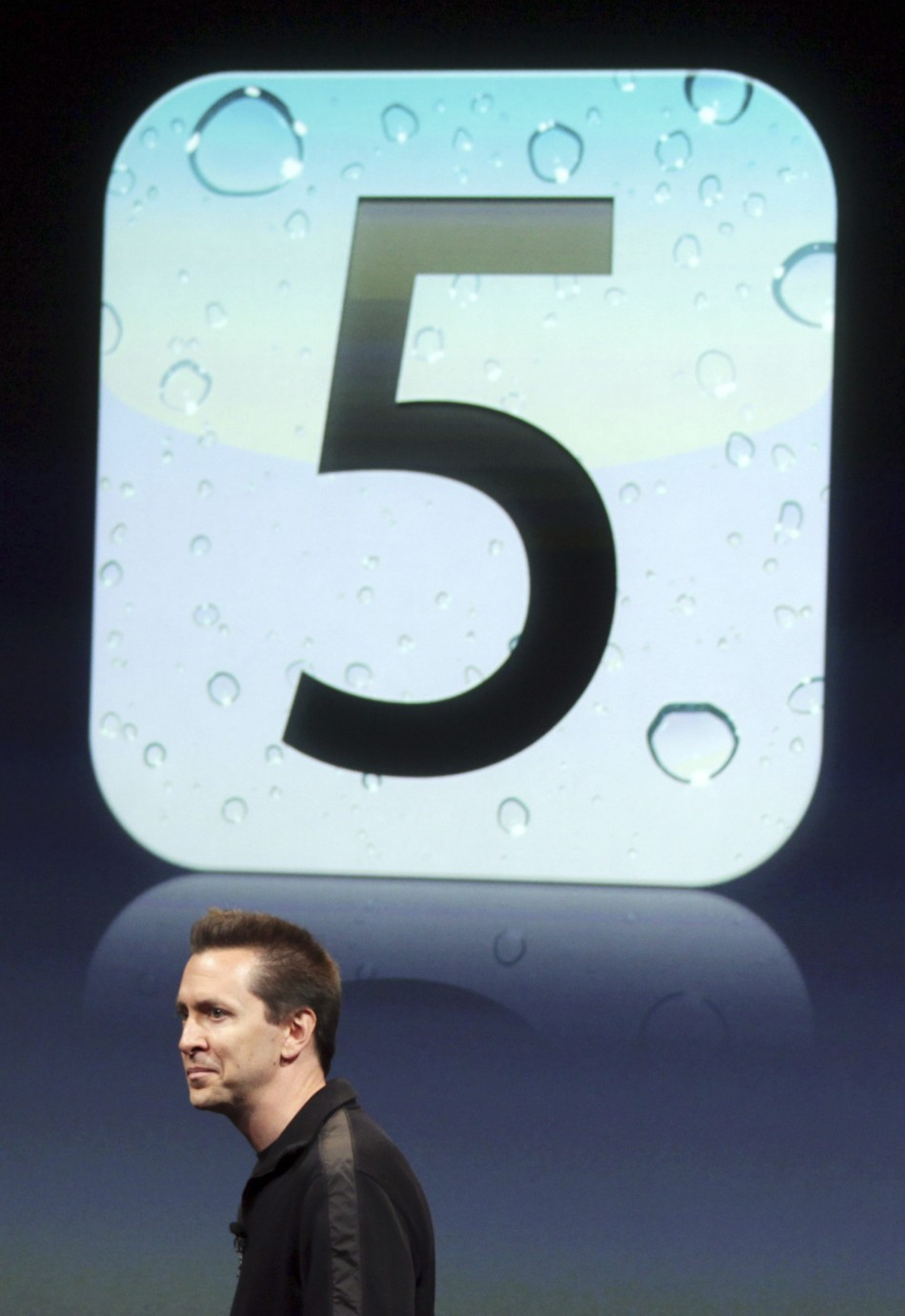 Scott Forstall, senior vice president of iPhone Software at Apple, speaks about iOS5 at Apple headquarters in Cupertino 04/10/2011
