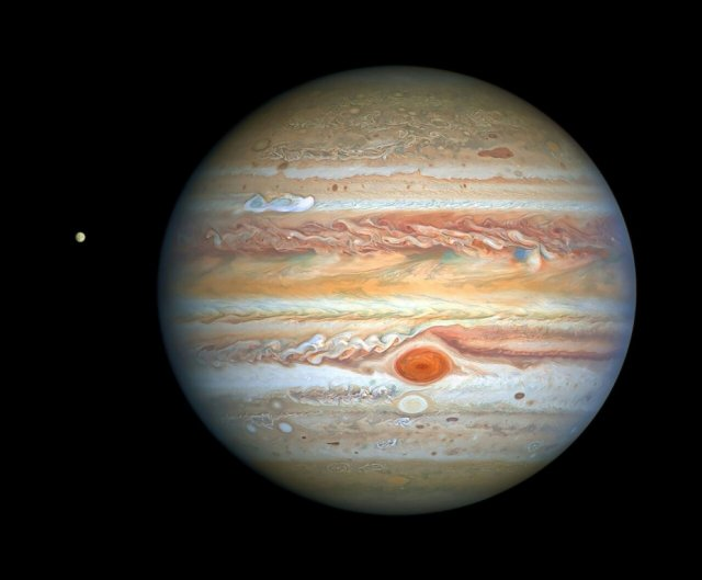 Scientists share images of gorgeous meteoroid explosion on the surface of Jupiter