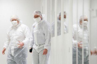 Boris Johnson at AstraZeneca facility