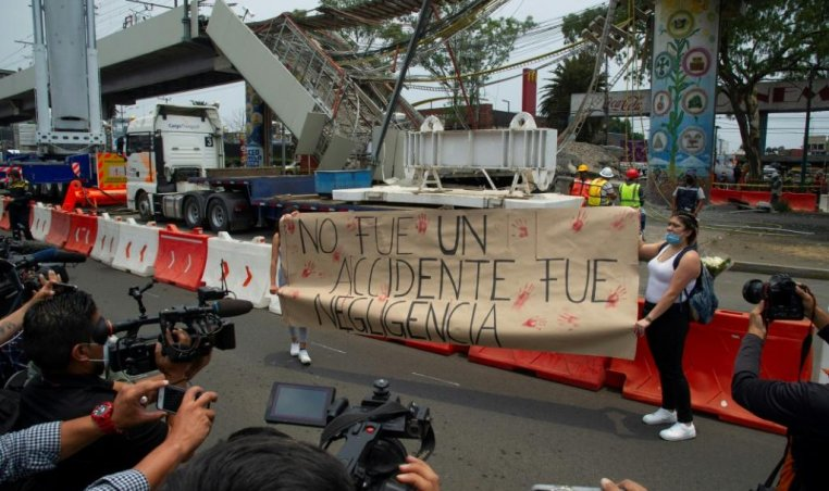 Mexico metro accident